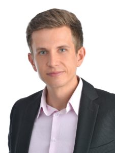 Johannes Langer, 31, Mag. d. Politikwissenschaft und Geschichte der Universität Wien, Master in International Peace & Conflict Resolution der American University in Washington DC, Professor an der Universidad de San Buenaventura, sede Bogotá:
