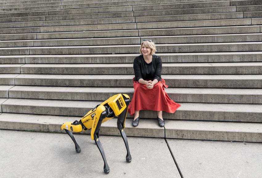 Martina Mara ist Professorin für Robopsychology am Linz Institute of Technology (LIT) der JKU